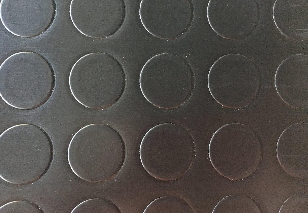 uelo PVC Pastillas Negro en DecoStands