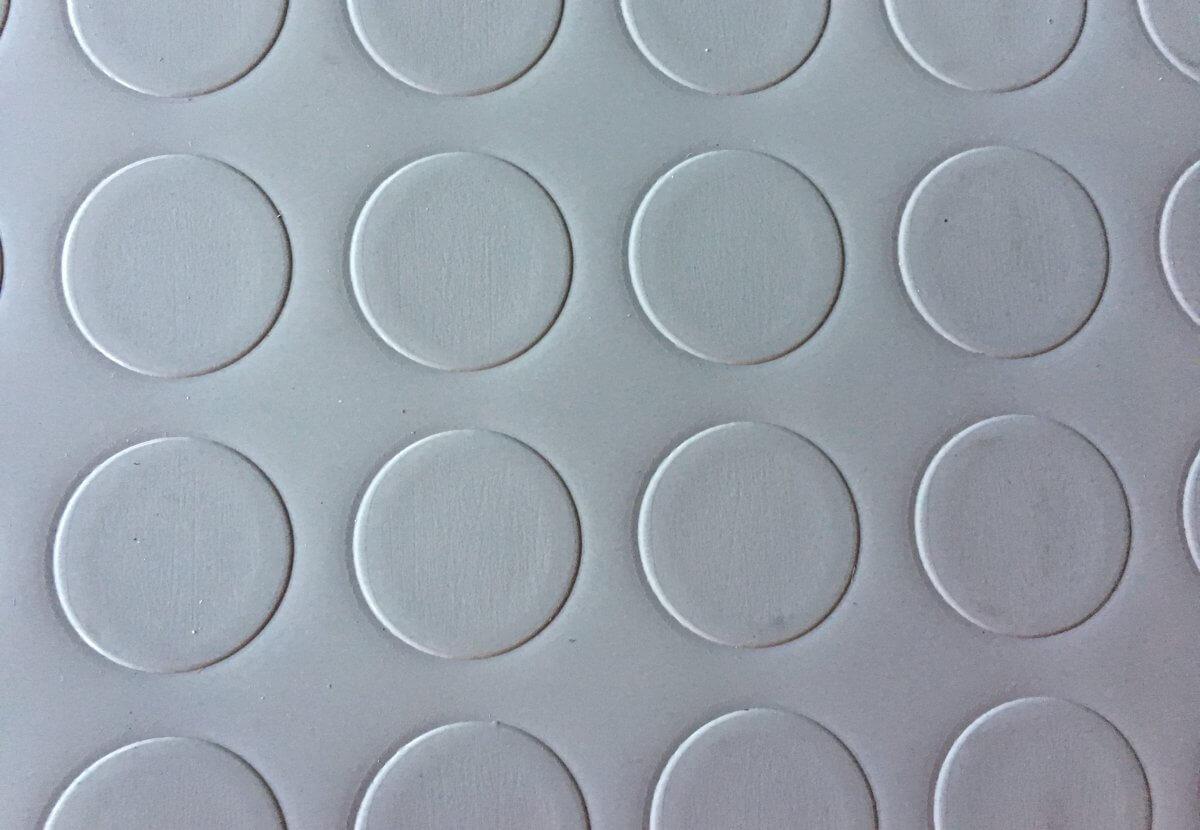 uelo PVC Pastillas Gris en DecoStands