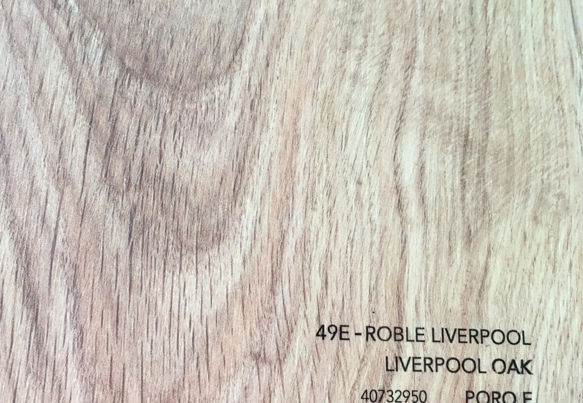 Parquet AC-4 Roble Liverpool en DecoStands