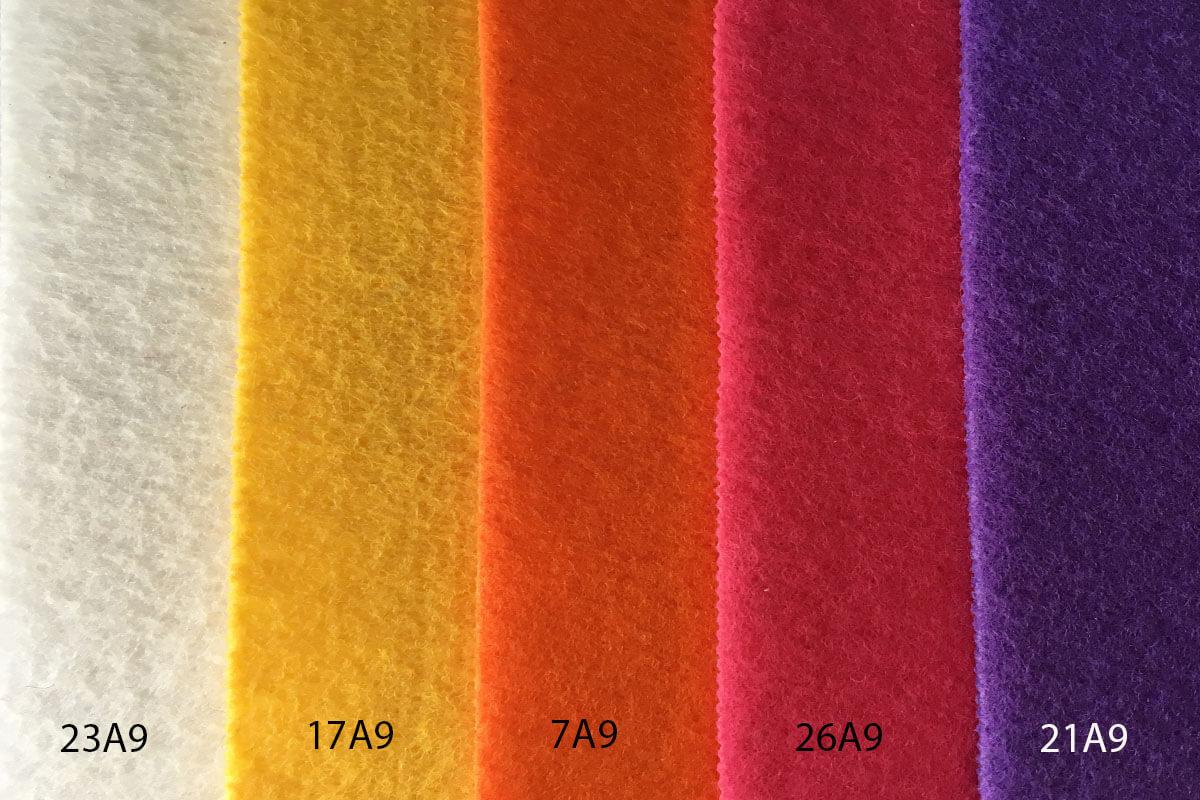 Moqueta Ferial colores blanco , amarillo, naranja, fusia y lila en DecoStands