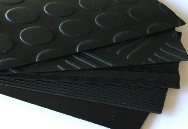 Suelo de caucho o goma en rollo en DecoStands