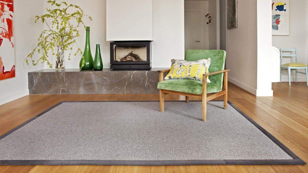 alfombra de fibras vegetales o sisal hecha a medida por decostands