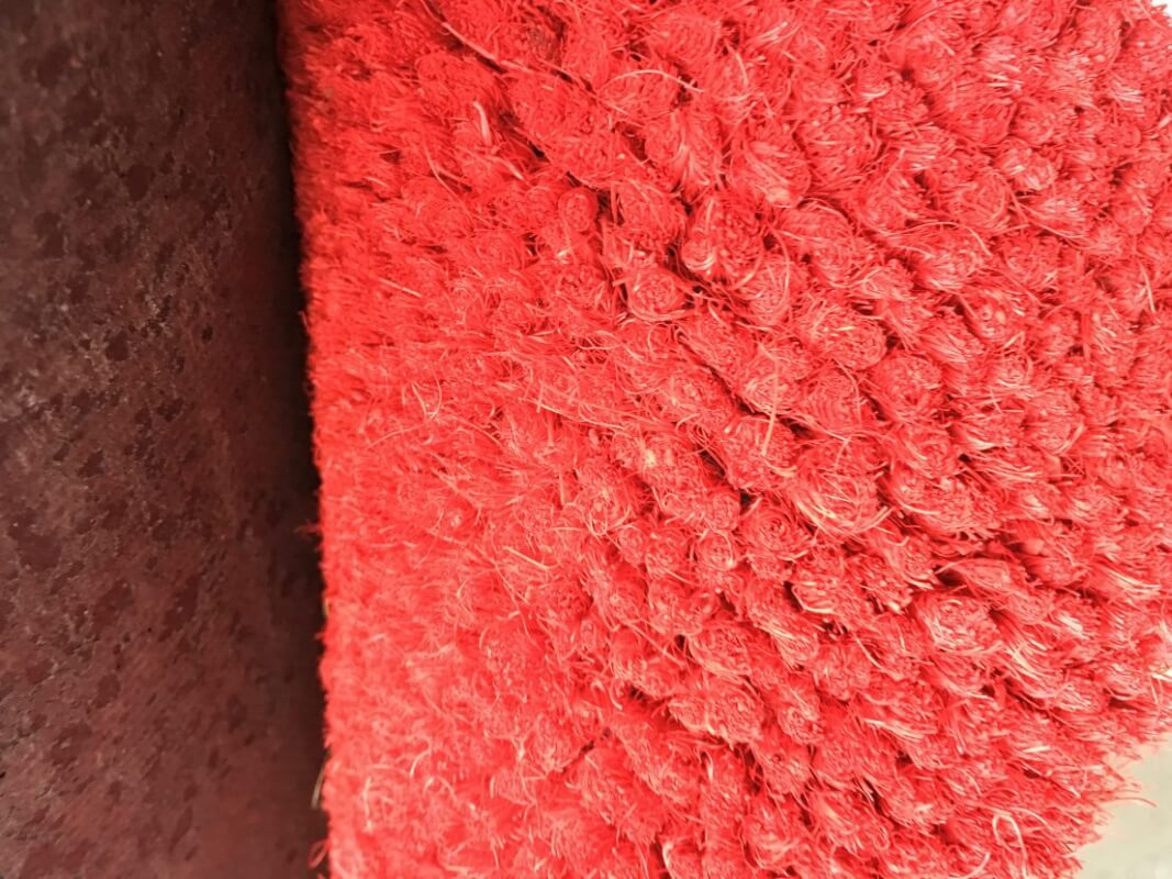 Felpudo de coco en color rojo en DecoStands