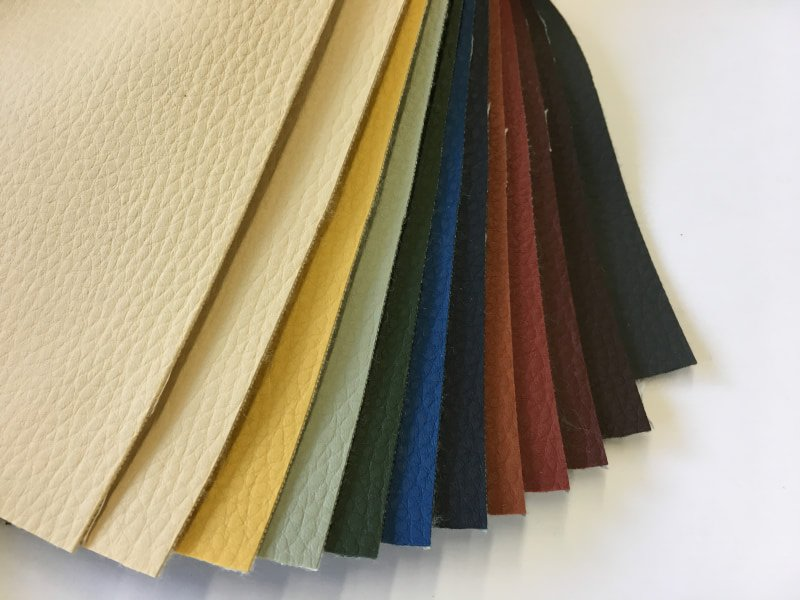 Cenefa de Polipiel para alfombras en DecoStands