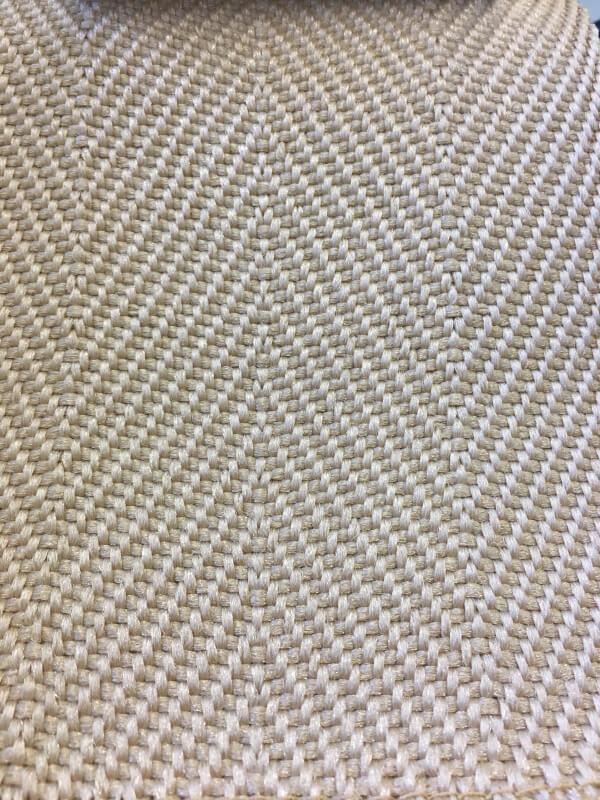 Cenefa de Microfibra beige para alfombras en DecoStands